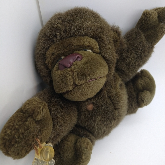 Vintage 1988 Tsuruya Brown Gorilla window suction